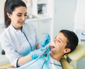When Should I Take My Child to the Dentist? - Growing Smiles